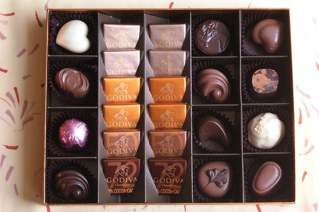 【バレンタイン】ゴディバがブラックサンダーを義理チョコ公認した本音