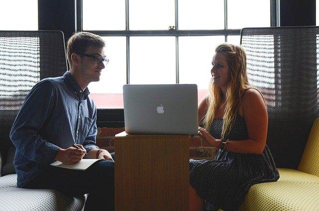 信頼できる継続的取引をする外部提携業者の探し方と選別の仕方