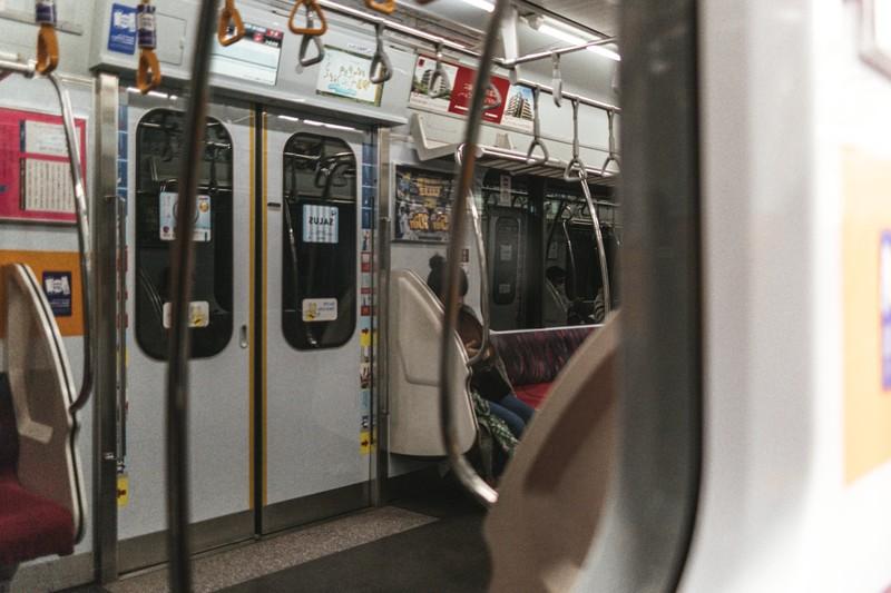 地下鉄の交通広告からわかる二種類の広告とその使い分けや選別